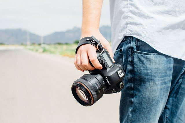 DIY: Making a Simple but Elegant Leather Hand Strap for a DSLR