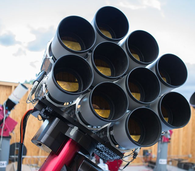 This Telescope Uses 10 Canon Lenses Worth $100,000