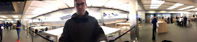 NYC Apple Store at 1AM