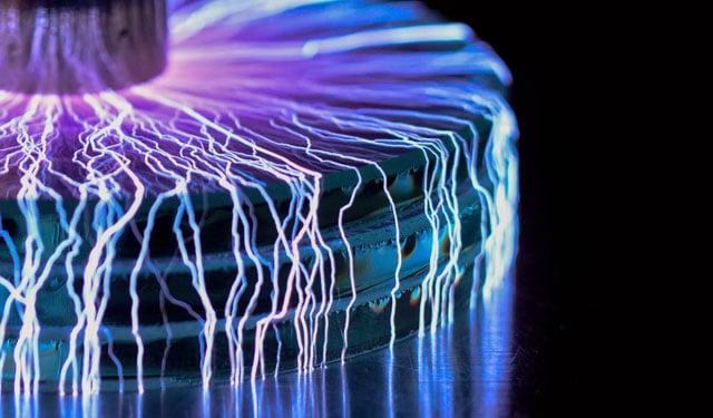 Photographer Captures Tiny Lightning Storms with a Mini Tesla Coil