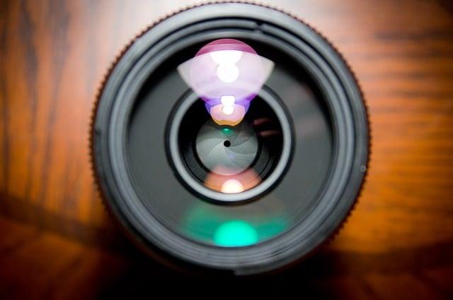 camera-lens-458045_640