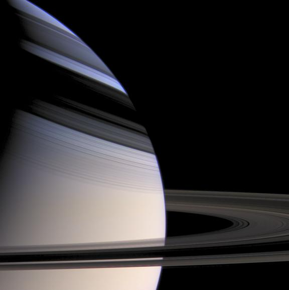 Saturn's gradation and rings. [#]