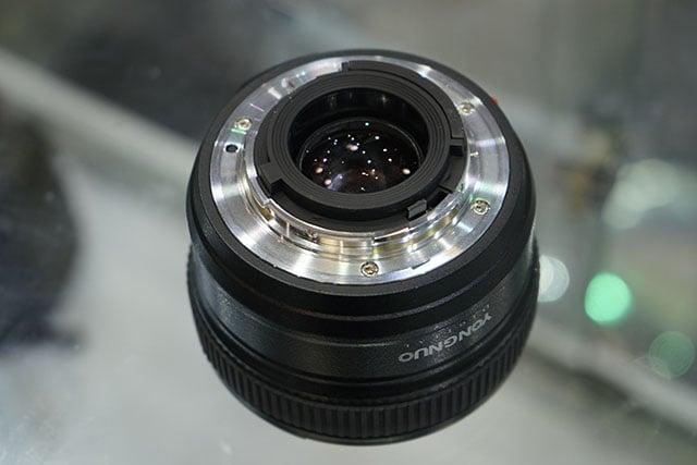 Yongnuo-AF-S-50mm-f1.8-lens-for-Nikon-F-mount-6