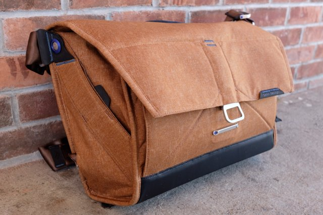 Review: Peak Design's Everyday Messenger Bag is Both Sexy and Smart