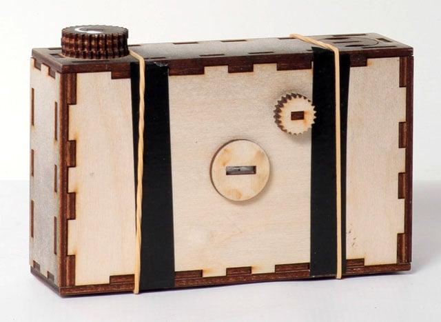 Pinhole camera with shutter. Photo by Cihad Caner.