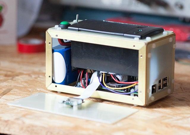 PolaPi: A DIY Thermal Instant Camera You Build with Raspberry Pi
