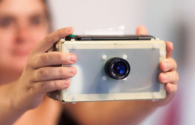 PolaPi: A DIY Thermal Instant Camera You Build with Raspberry Pi