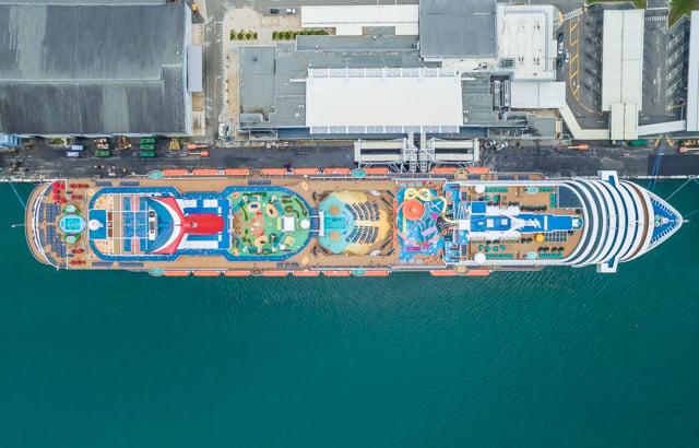 shipsatport-4