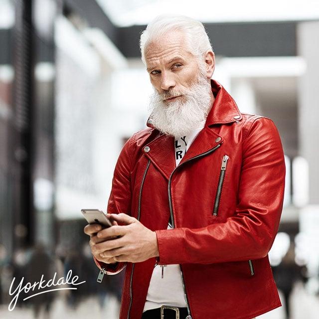 YD-FashionSantaSocial-YD6