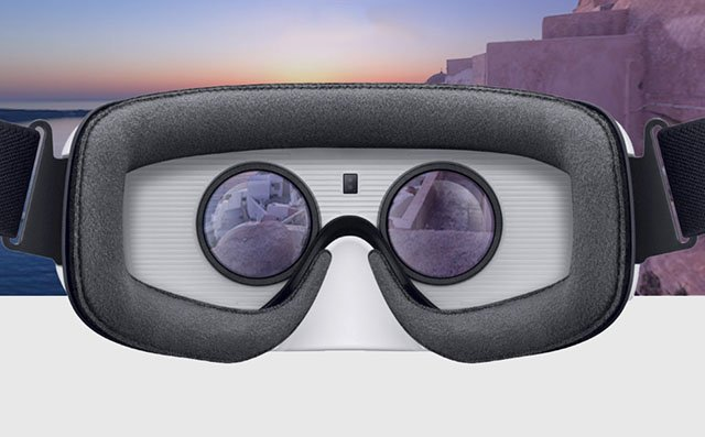 Flickr Jumps Into 360° Virtual Reality Photos with New Samsung Gear VR App