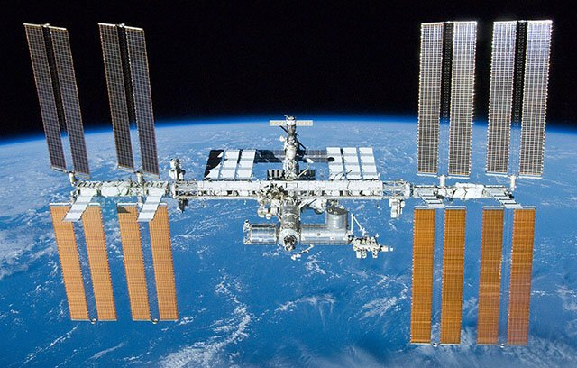 This Photo of an Astronaut Shows How Big the ISS Is
