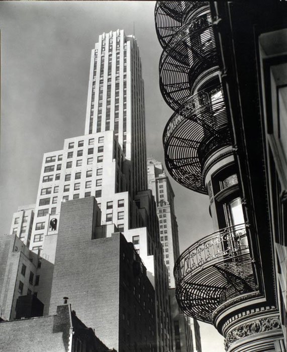 Shadow Hills Apartments: Photos Of 1930s New York City By Berenice Abbott