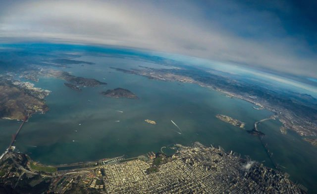 These Guys Sent a Sony A7s to 91,000 Feet from SF on a