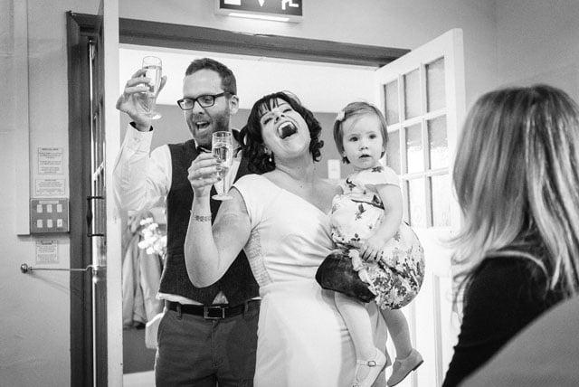 surrey-wedding-photographer_0014(pp_w1000_h668)