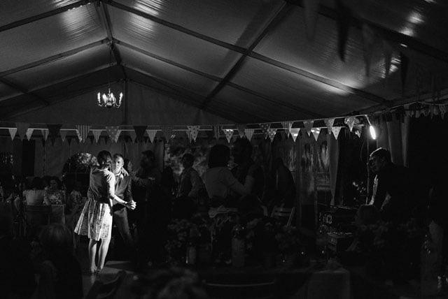 surrey-wedding-photographer_0030(pp_w1000_h668)