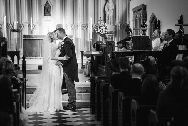 surrey-wedding-photographer_0031(pp_w1000_h668)