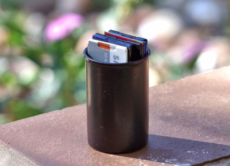 How to Use a 35mm Film Canister as a Simple SD Card Case