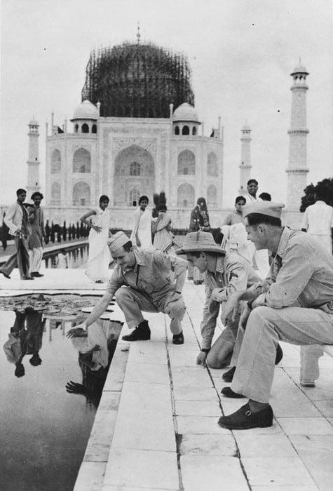 TPTM_09_Taj_Mahal_1942_BW