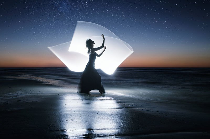 Light Painting Wedding Photography: How To Do Light Painting Photography With A 4-Foot Tube