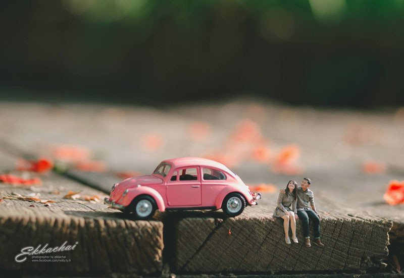 This Wedding Photographer Turns You Into a Miniature Person