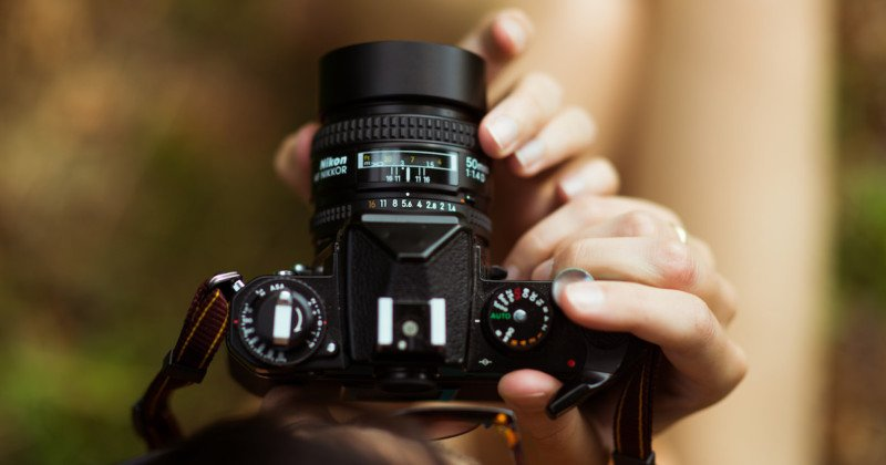 A Beginner's Guide to Canon and Nikon Lens Abbreviations