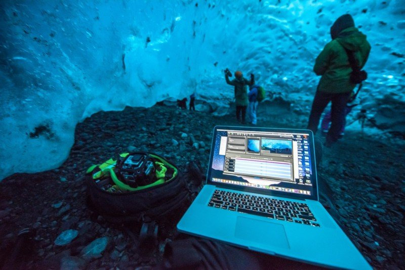 laptop-in-cave