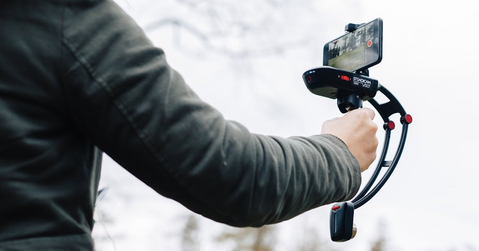 Steadicam Unveils Its Volt Stabilizer for Smartphones, Takes on the DJI Osmo