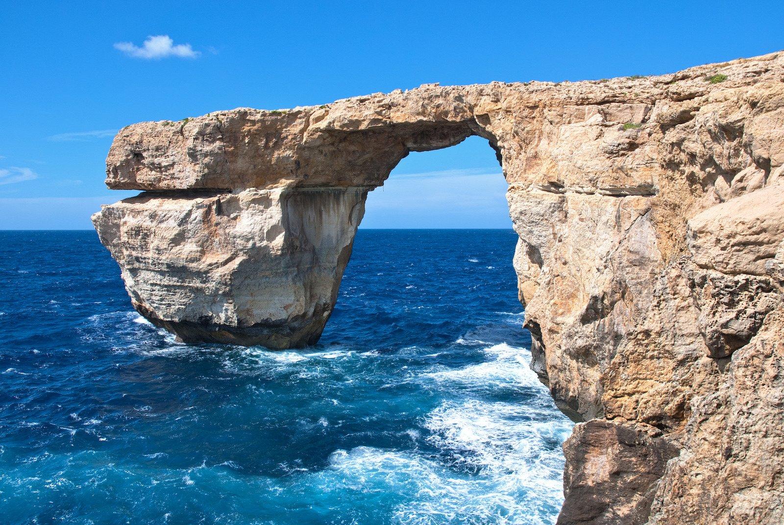 Malta's Famous Azure Window Rock Arch Collapses, Photographers Mourn