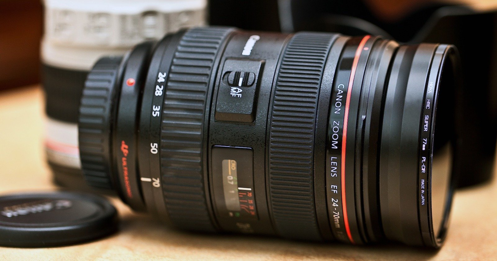 'Lens vs Lens' Site Lets You Compare Lens Quality Using Flickr Photos