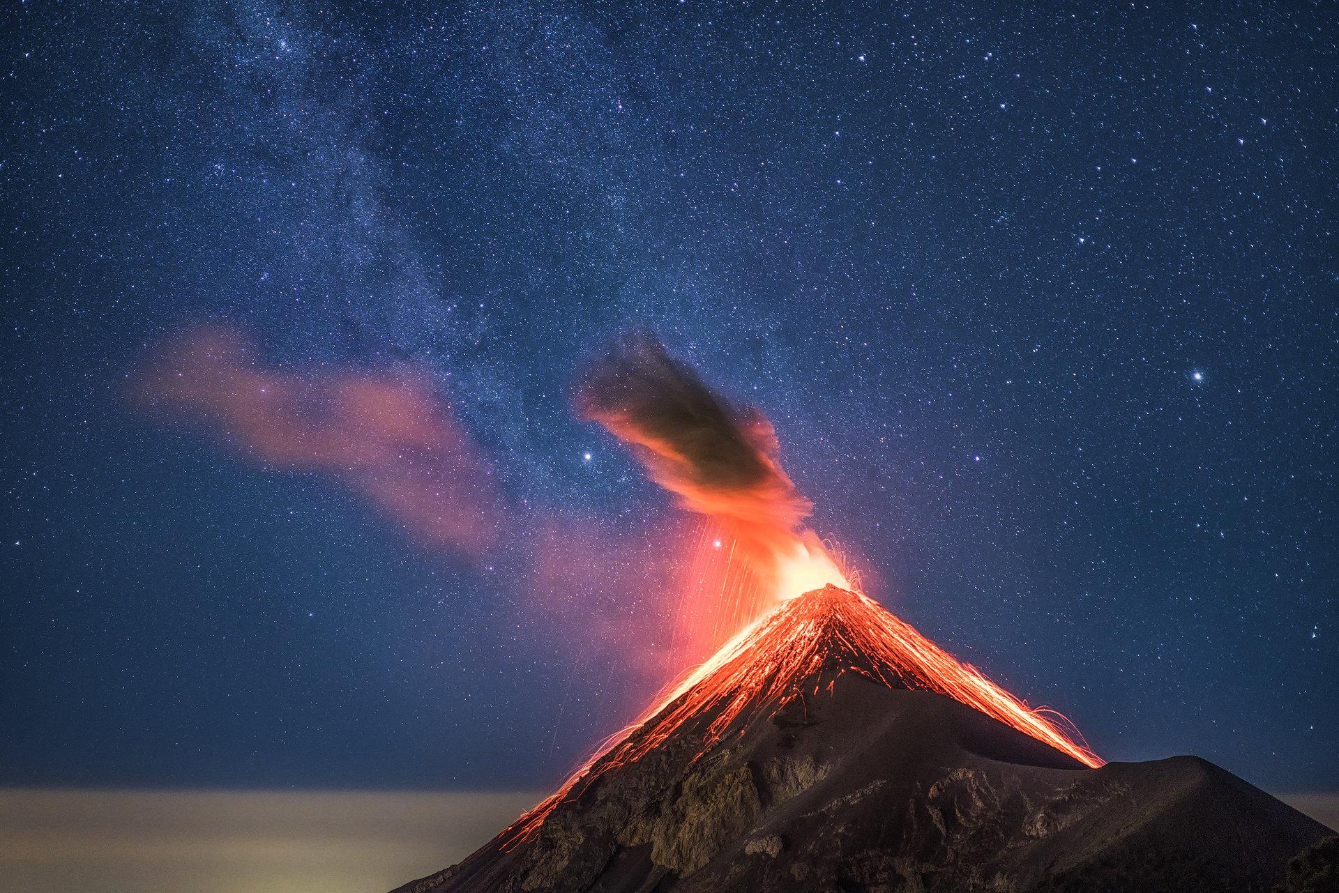 Resultado de imagen para Volcano de Fuego