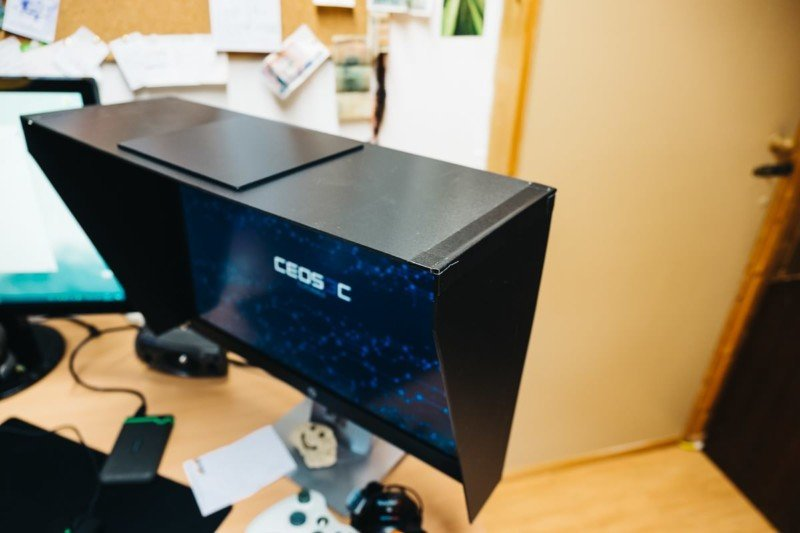 How to Build Your Own Monitor Hood for Less Than $12