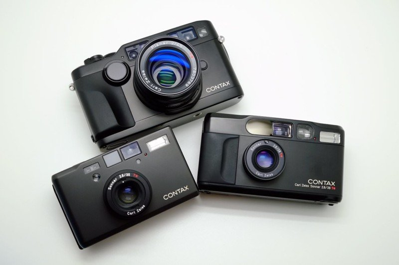 Dear Camera Makers, Please Bring Back the Compact Film Camera