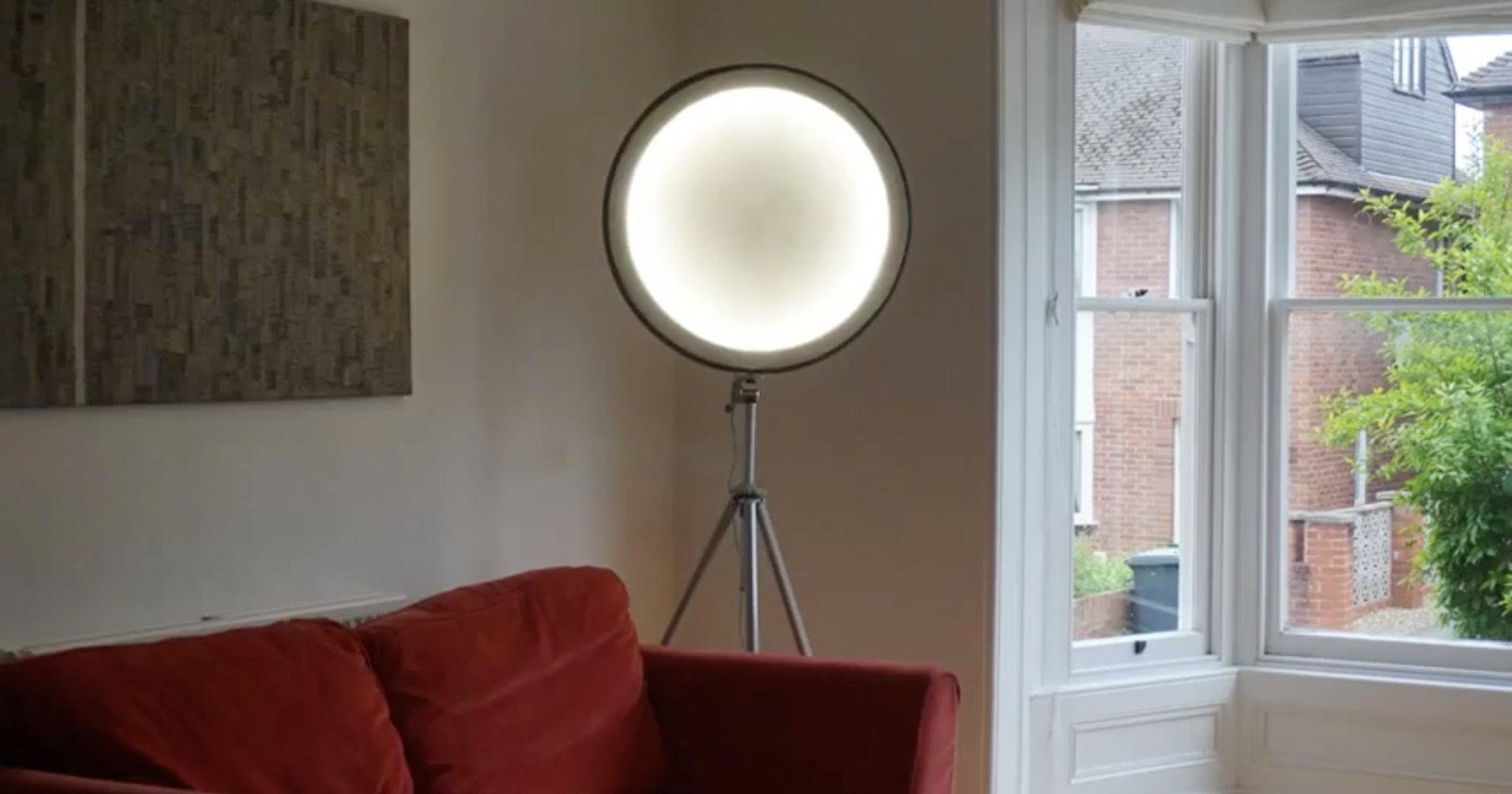 How to Make a DIY Softbox from a Bicycle Wheel and Some Fabric