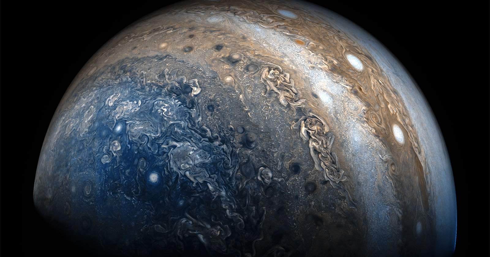 A Gorgeous Flyby of Jupiter Made with Photos from NASA's ...