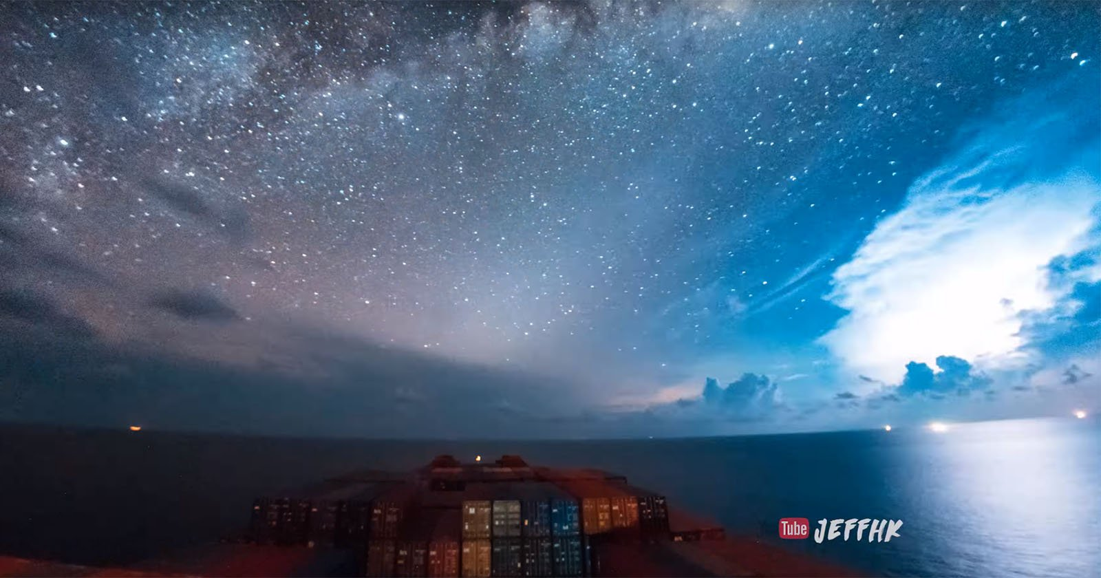 Timelapse 30 Days Of A Cargo Ship In 10 Minutes And 80000 Photos