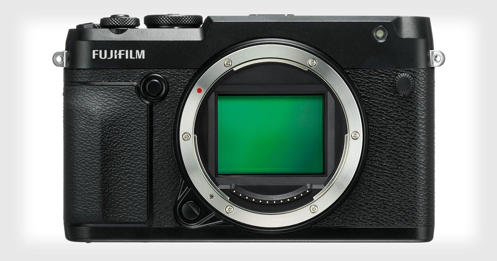 Fujifilm GFX 50R is a 51.4MP Medium Format Rangefinder-style Mirrorless