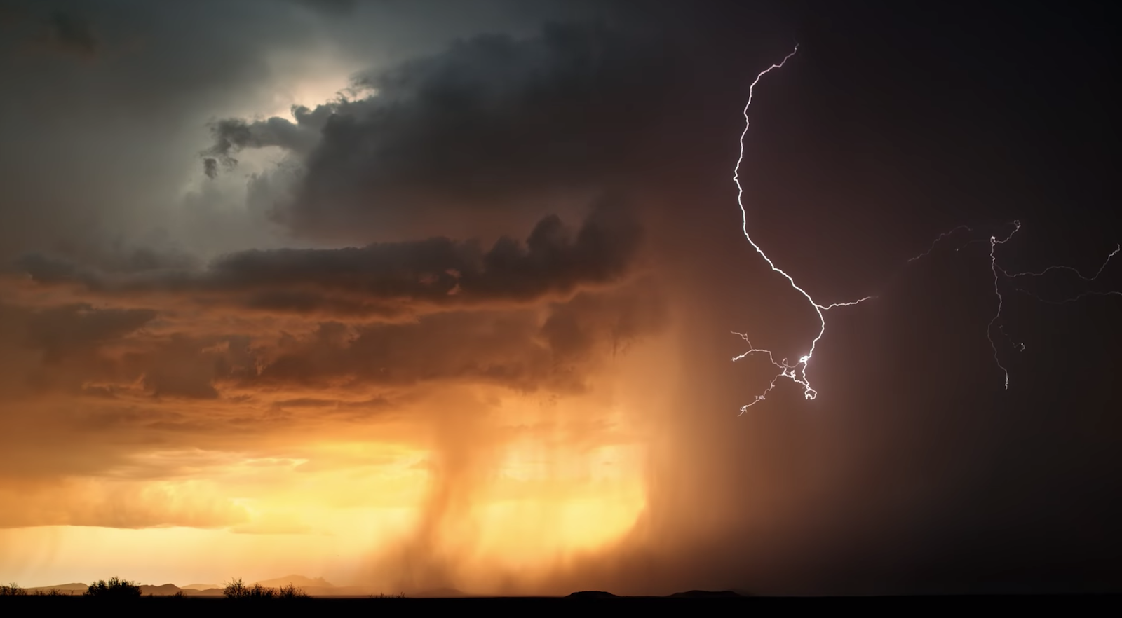 Storm Chaser Creates Jaw-Dropping Reel of 4K 1,000fps Lightning Footage