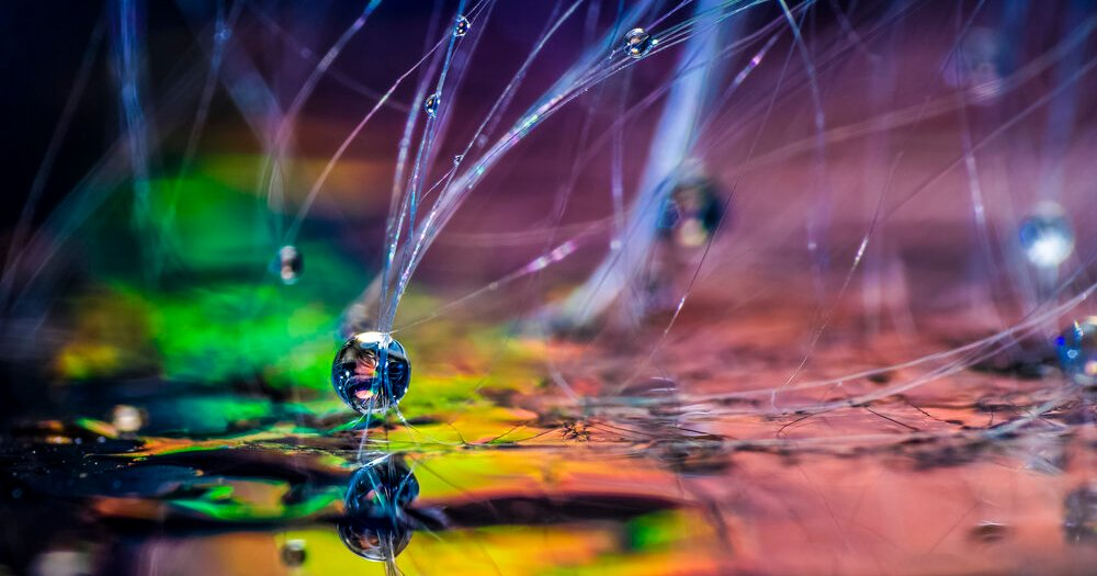 Photo Trick: Create Macro 'Rainbow Flares' with a CD