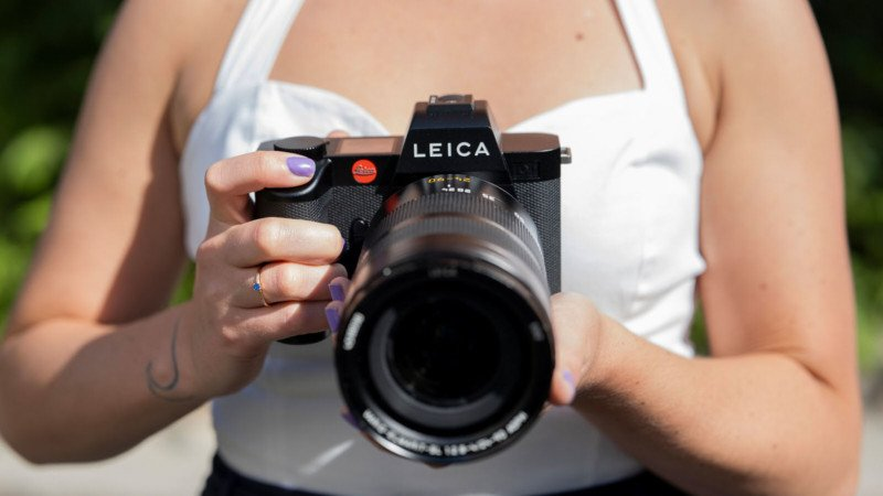 You Probably Don't Care About the Leica SL2, and You're Worse Off For It