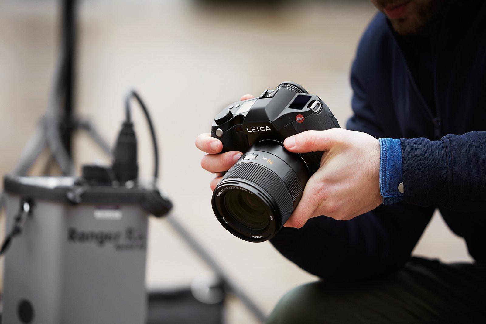 Leica introduces 64-megapixel S3 camera