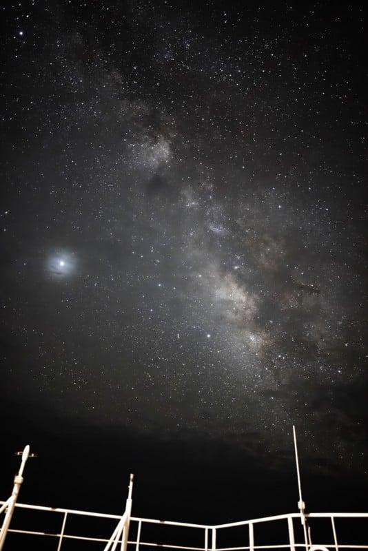 Theo đuổi đam mê chụp ảnh thiên văn trên tàu chở hàng giữa biển khơi bao la - Ảnh 7.