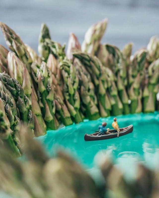 Fotógrafo crea fotos de Naturaleza con comida desde casa