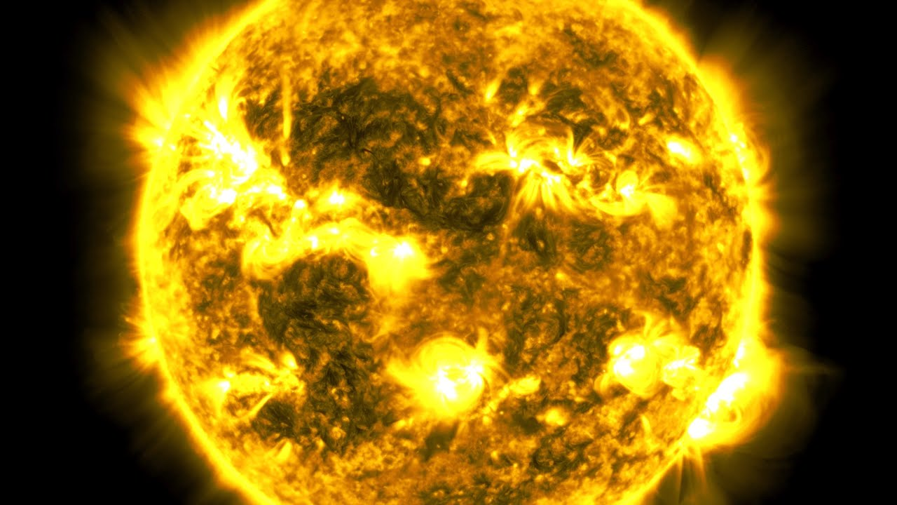 This 10-Year Timelapse of the Sun was Made from 425 Million Images