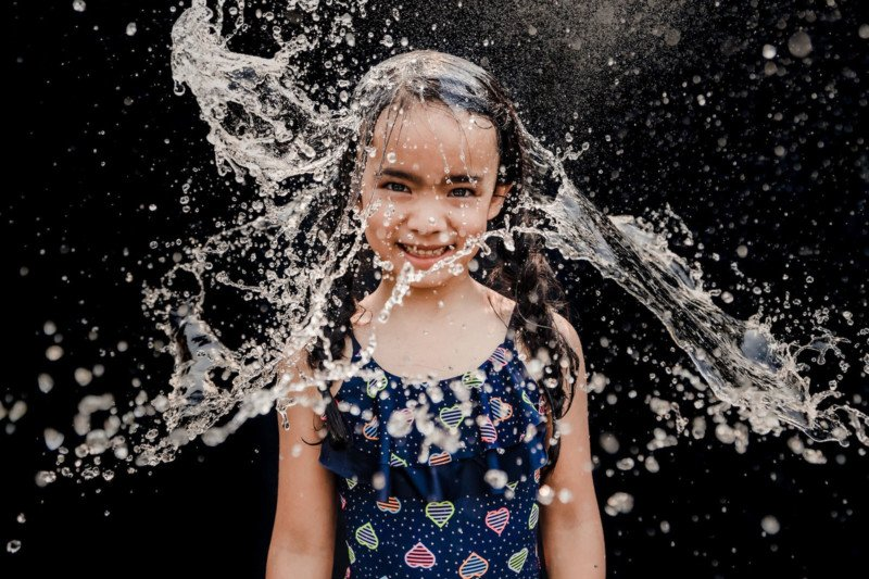 Creative photography ideas how to make a water hat on the cheap 04 800x533 - The way to Shoot 'Water Hat' Portraits On the Low-cost