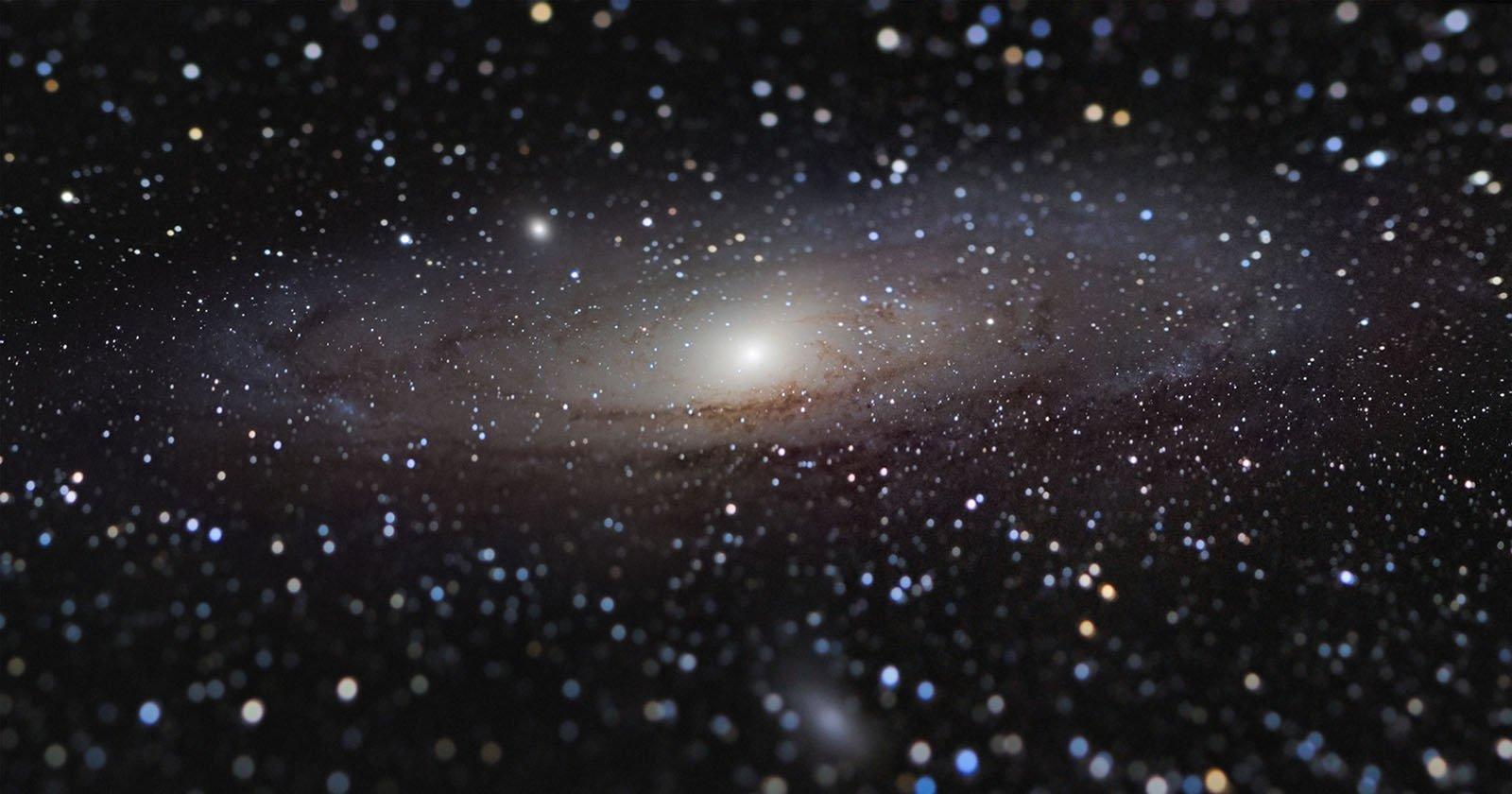 This Tilt-Shift Photo of Andromeda Was Shot Using a DIY Adapter