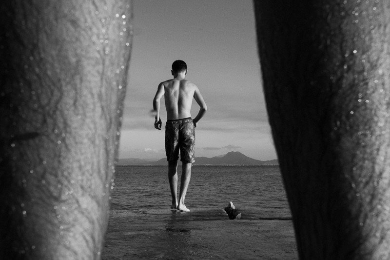 Gorgeous B&W Photos of Tunisian Kids Growing Up with the Sea 89