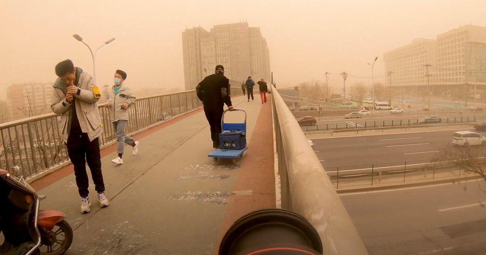 Com'è stato fotografare l'estrema tempesta di sabbia cinese