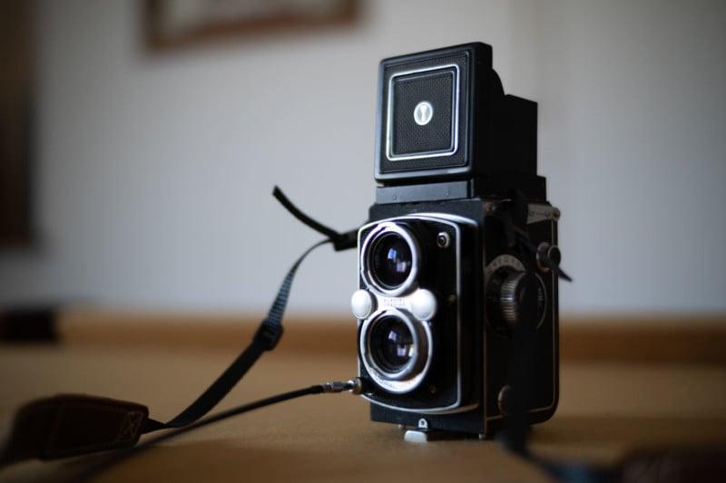 Laowa Argus 33mm f/0.95 CF APO Review: So. Much. Bokeh. 39