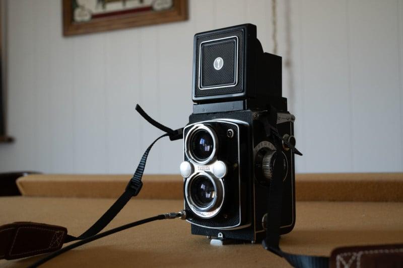 Laowa Argus 33mm f/0.95 CF APO Review: So. Much. Bokeh. 36