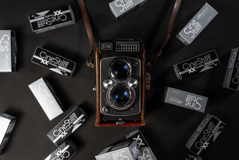 CineStill Launches BwXX 120 Film, Classically Only a Cinema Stock